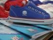 Alunos receberam da Prefeitura Municipal um kit uniforme e um kit de material escolar.